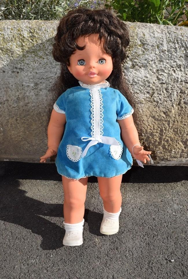 poupée Clodrey mimi cassette brune