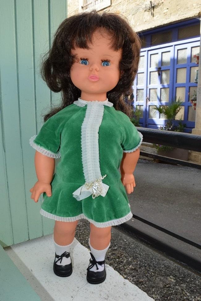 poupée Clodrey Daisy brune