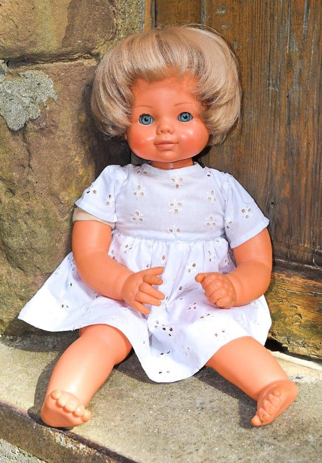 Cathy, poupée Raynal Nouvelles Galeries