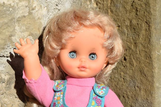 Carina, poupée Clodrey électrique marcheuse