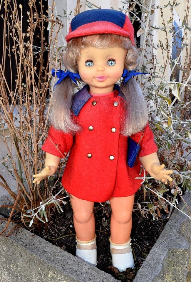 poupée Clodrey marcheuse parlante
