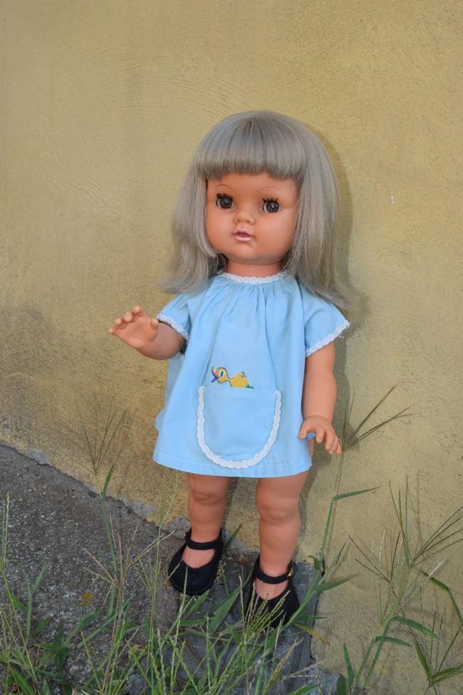 Suzie, poupée Bella marcheuse