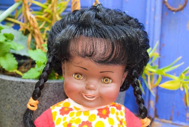 Monica, poupée Raynal noire à corps souple