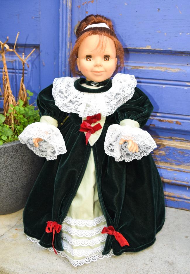 Agnès de Villeroy, poupée Bluebell Monaco