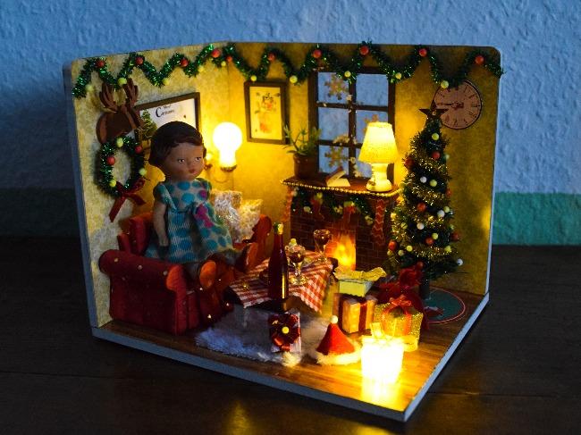 miniature maison de poupée Noël