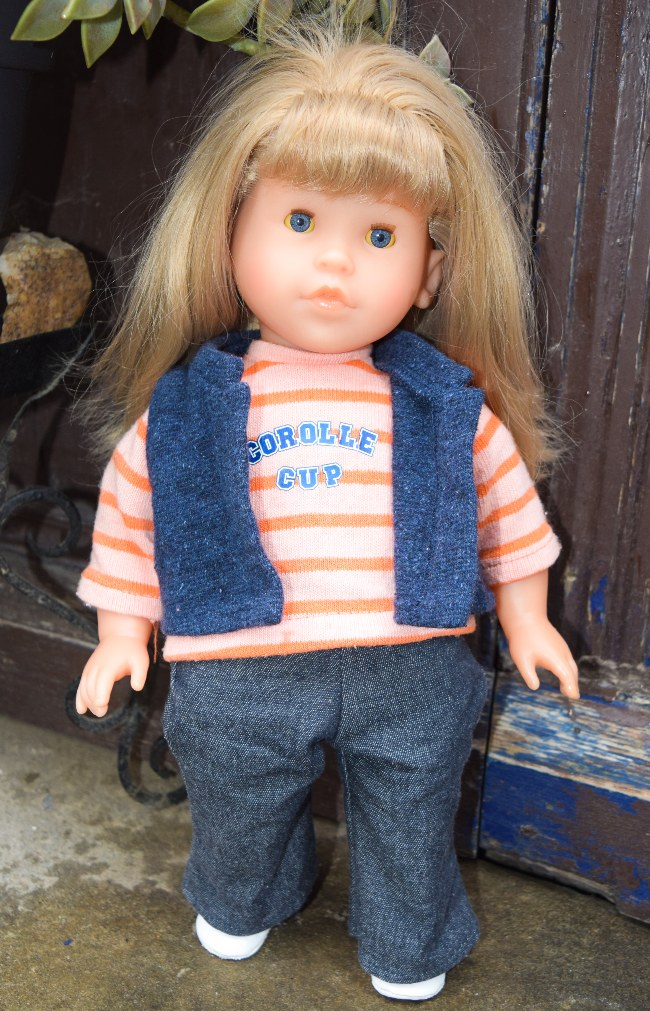 claire_corolle_cup_poupee